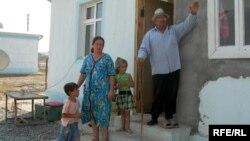 Вынужденные переселенцы из Физулинского района Азербайджана, сентябрь 2008 года