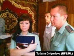 Судебные приставы пришли выселять Ивана Посохова с семьей