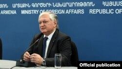 Հայաստանի արտգործնախարար Էդվարդ Նալբանդյան