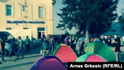 Izbjeglice u Tovarniku, 19. septembar 2015.