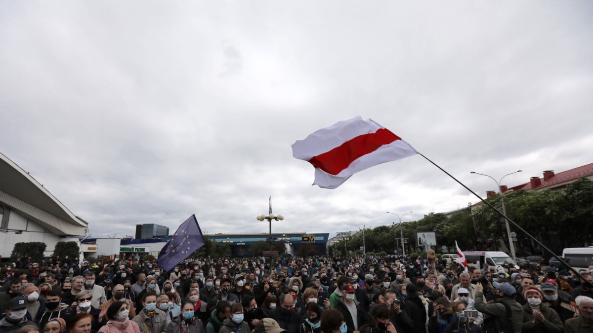 В Беларуси проходят массовые акции оппозиции