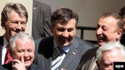 Sammitdə Ukrayna, Litva, Gürcüstan, Polşa prezidentləri də iştirak edib