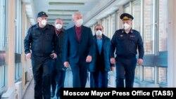 Мэр Москвы Сергей Собянин (в центре)