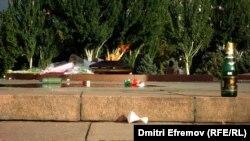 Площадь Победы после свадебных церемоний