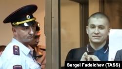 Осужденный по «Болотному делу» Алексей Полихович (справа).