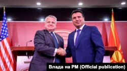 John Sullivan dhe Zoran Zaev