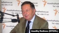 Бильге Джанкорель в студии РадиоАзадлыг, 27 августа 2010
