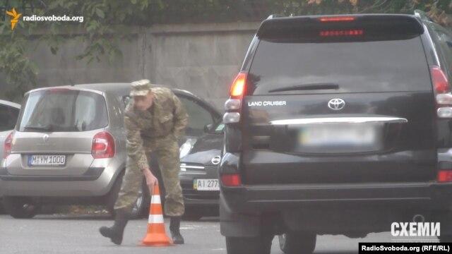 Сотрудник СБУ Кириленко передвигается на автомобиле, зарегистрированном на жену