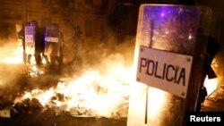 نیروهای پلیس در بارسلون روز چهارشنبه نیز با گروهی از جداییطلبان درگیر شدند