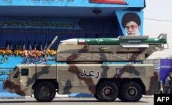 Военный парад в Тегеране, 21 сентября 2012 года.