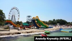 «Бархатный» сезон: последние аккорды лета в Черноморском (фотогалерея)