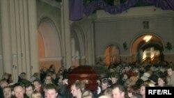 Belarus – funeral service for Iryna Kazulina, political prisoner Alexander Kazulin's wife, Minsk, The Red Church, 26Feb2008