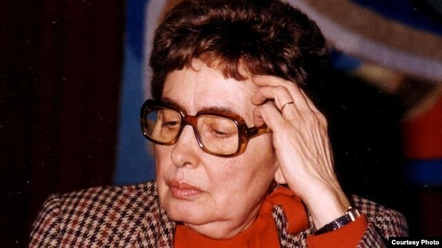 France -- Monica Lovinescu in Paris, May 1994.