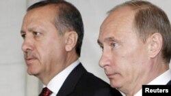 Турция – Премьер-министр России Владимир Путин и премьер-министр Турции Реджеп Эрдоган на совместной пресс-конференции, Стамбул, 8 июня 2010 г.