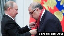 Vladimir Putin və Alisher Usmanov