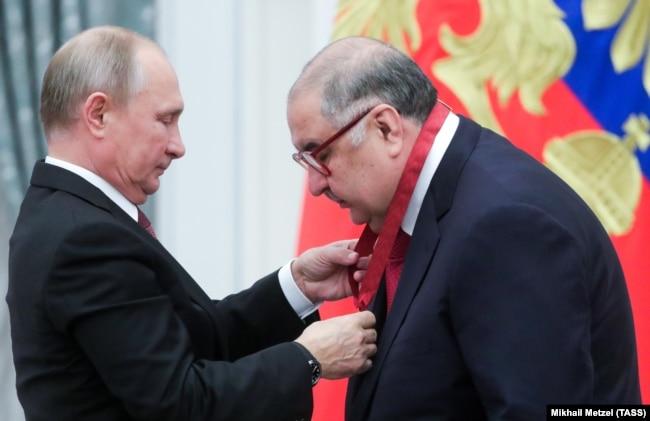 Президент Росії Путін вручив Усманову держнагороду в Кремлі