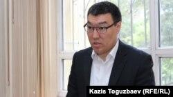 Арман Оразбаев, былтыр қайтыс болған журналист Геннадий Бендицкийдің мұрагерлері мүддесін қорғайтын адвокат. Алматы, 18 маусым 2018 жыл.