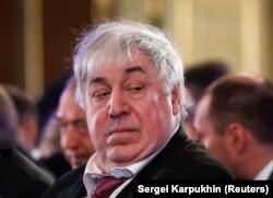 Ruski tajkun Mihail Gucerijev pobegao je 2007. godine, ali mu je posle dozvoljen povratak.