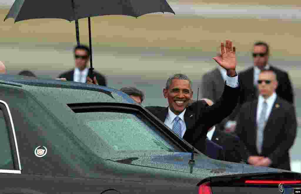 Барак Обама в аэропорту Гаваны, 20 марта 2016 года.
