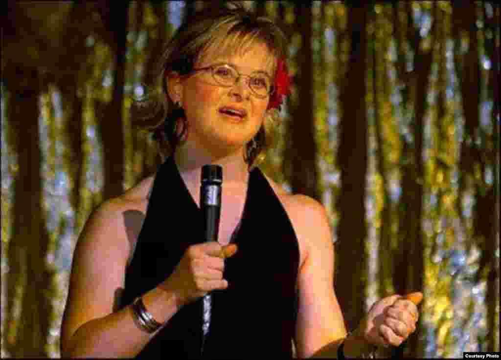 سخنرانی در یک نمایش مد