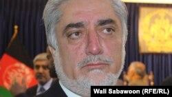 عبدالله: انشاالله موقع کافی خواهیم داشت تا در مورد جنبههای مختلف مسائل بحث بکنیم.