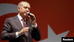 Türkiýäniň prezidenti Rejep Taýyp Erdogan. 19-njy iýul, 2016 ý.