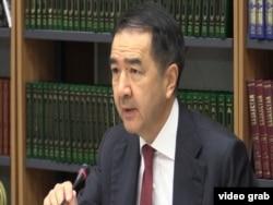 Первый заместитель премьер-министра Бакытжан Сагинтаев выступает на заседании комиссии по земельной реформе. Астана, 14 мая 2016 года.