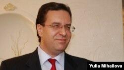 Накануне выборов коммунисты решили не голосовать за кандидата либерально-демократической коалиции Мариана Лупу.