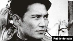 Казахский полковник Бауыржан Момышулы, герой Второй мировой войны.