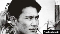 Казахский полководец Бауржан Момышулы (1910 - 1982 гг.) в годы Второй мировой войны.