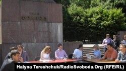 Дебати під відкритим небом «Вища освіта: через терни в нікуди?» у Львові, 25 травня 2011 року