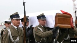 The coffin carrying the body of the late Polish First Lady Maria Kaczynska in Warsaw on April 13.