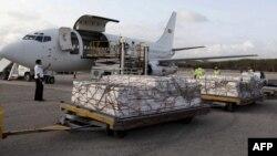 Гуманитарная помощь, прибывшая в Сомали. Могадишо, 27 июля 2011 года.