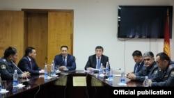 Министра внутренних дел Улана Исраилова представили коллективу центрального аппарата МВД