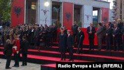 Pamje nga Tirana gjatë festimit të 100 vjetorit të shtetit shqiptar më 28 nëntor 2012
