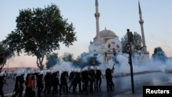 Stamboll, 3 qershor, 2013