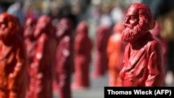 Скульптуры Карла Маркса