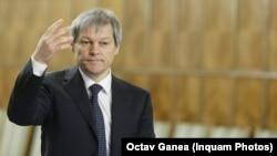 Fostul comisar european pentru Agricultură, acum lider USR PLUS, Dacian Cioloș, la 10 noiembrie 2015, la prima sa nominalizare ca premier, după Colectiv și plecarea guvernului Ponta.