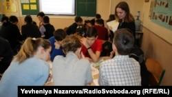 Робота школярів у групах