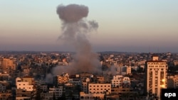 Після удару по позиціях бойовиків посеред будинків у місті Газа, фото 11 липня 2014 року