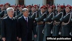 Алмазбек Атамбаев менен Австриянын президенти Хайнц Фишер. 23-март, 2015-жыл