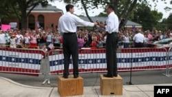 Пол Райан (слева) и Митт Ромни