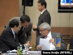 Sa konferencije u Beogradu, šefovi diplomatija BiH, Srbije i Hrvatske, Sven Alkalaj, Vuk Jeremić i Gordan Jandroković, 7. novembar 2011.
