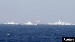 Қытай кемелері Вьетнаммен арадағы даулы Оңтүстік Қытай теңізі акваториясын шолып жүр. 14 мамыр 2014 жыл.