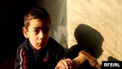 Artsax küçəsinin 4-cü dalanındakı evdə yaşayan Sarkis