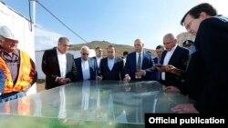 Armenia - Prime Minister Hovik Abrahamian (C) and U.S. Ambassador Richard Mills (R) visit the Amulsar gold deposit, 15Aug2015.