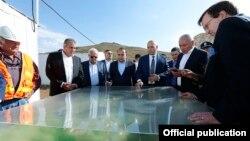 Armenia - Prime Minister Hovik Abrahamian (C) and U.S. Ambassador Richard Mills (R) visit Amulsar gold deposit, 15 August, 2015