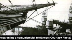 Șantierul Constanța pe vremea când era plin de nave. Sursa: Fototeca online a comunismului românesc. Cota: 245/1970