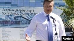 Виктор Янукович, раисиҷумҳури Украина.