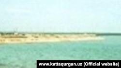 1941 йили қурилган Каттақўрғон сув омбори денгиз сатҳидан 35 метр баландликда жойлашган.